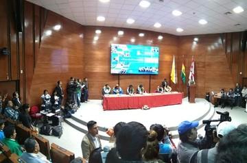 Gobierno entrega recursos económicos para 81 proyectos de 29 municipios de Chuquisaca