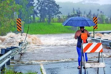 Huracán Lane causa fuertes daños en el archipiélago de Hawái