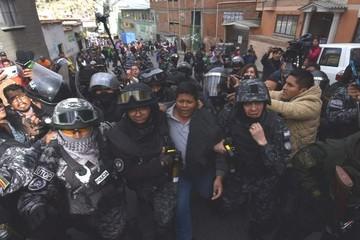 Gutiérrez, dirigente de Adepcoca, se entrega a la Policía y niega relación con violencia en La Asunta