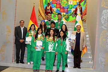 Evalúan premio económico permanente a medallistas
