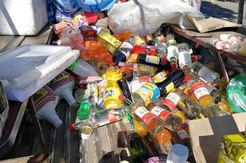 Decomisan juguetes y golosinas tóxicas que se vendían en escuelas y colegios