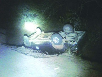 Gobernación: Camioneta se vuelca en el Chaco
