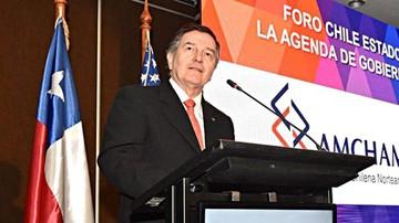Ex cancilleres chilenos: Evo busca pelea para reelegirse