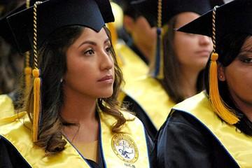 """Gritan """"Bolivia dijo No"""" en graduación de Evaliz"""