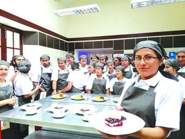 Anuncian creación de más escuelas de gastronomía