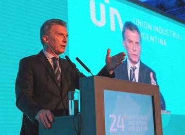 Macri pide apoyo a su plan en medio de la incertidumbre