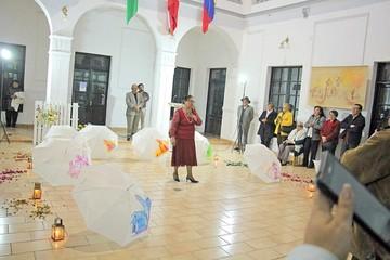 Sanz expone sus obras en tres lugares