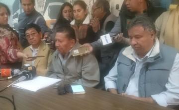 Choferes de Chuquisaca se declaran en emergencia en apoyo al Transporte Pesado