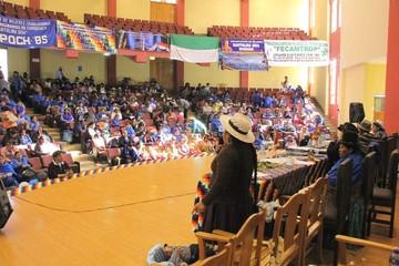 Bartolinas sugieren que una mujer acompañe a Evo Morales en la Vicepresidencia