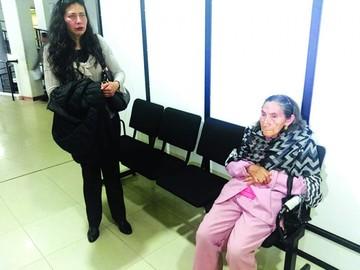Sucre: Denuncian despojo de hija a su madre anciana