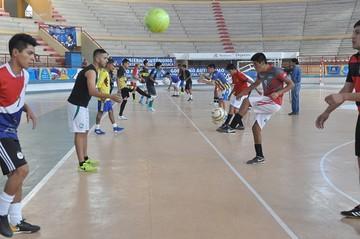 Bolivia apuesta por la renovación en futsal