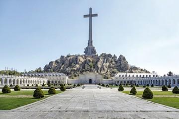 Aprueban exhumación del ex dictador Franco