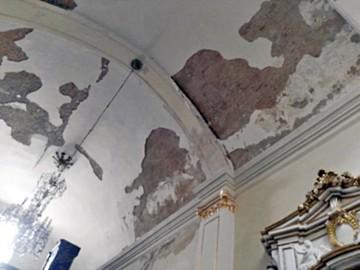 Capilla de Guadalupe se cierra por caída de techo
