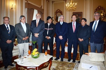 Morales convoca a ex presidentes y ex cancilleres para analizar etapa posfallo de la CIJ