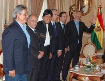 Evo convoca a ex presidentes para analizar fallo de La Haya