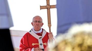 Bergoglio pide a la mafia que se pare la violencia