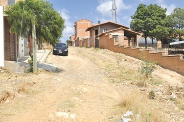 La Esperanza, un barrio nuevo sin agua potable ni seguridad
