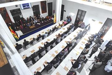 En carrera, 36 postulantes a Fiscal General