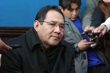 Periodista también  apunta a Fiscalía por persecución