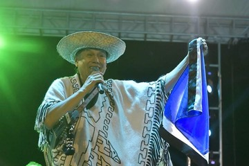 Dorado: El MAS distrae comprando artistas y misses