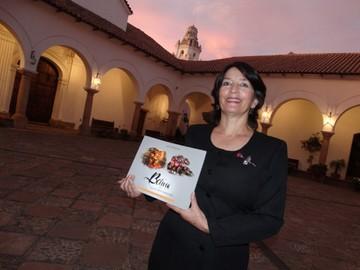 """Presentan libro de danzas """"Bolivia en movimiento"""""""