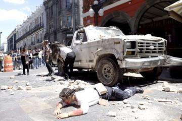 México tiembla al conmemorar un año de los mortales terremotos