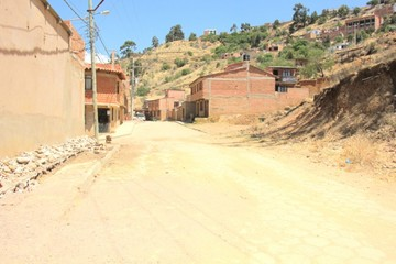 Entre Ríos demanda poteo, acceso pavimentado y luz en la escalinata