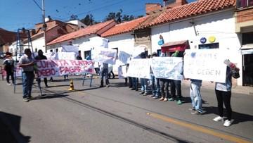 Tiendas exigen pago por trabajos en Yurac Yurac