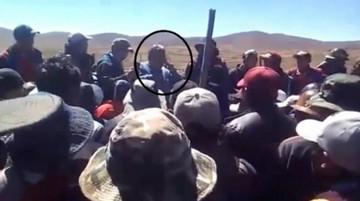 Chofer de Illanes revela que policías tenían armas y que dispararon a mineros