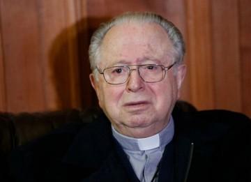 Papa expulsa del sacerdocio a cura chileno acusado de abusos