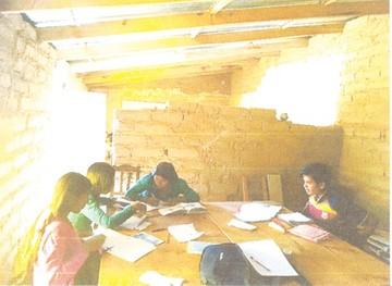 Padres claman atención para escuela de Poroma