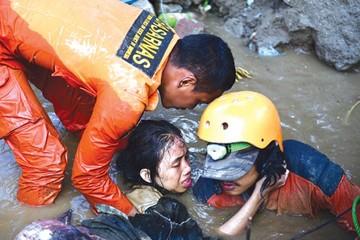 Se disparan a más de 800 los muertos en Indonesia
