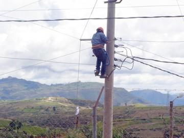 Municipios reclaman  por electrificación