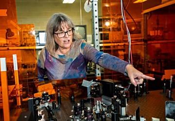 Nobel de Física reconoce avances en los rayos láser