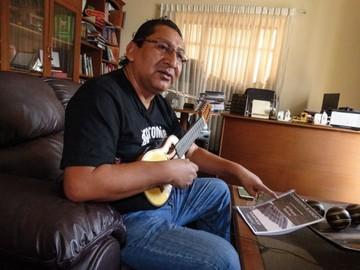 """""""La música instrumental no comercial, en charango, está desapareciendo"""""""