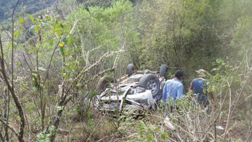 Fallece profesor al volcar a  15 kilómetros de El Villar
