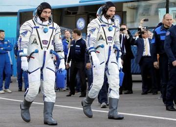Astronautas salvan sus vidas tras lanzamiento fallido