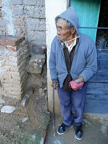 Zenon, el centenario, sufre caída por obra inconclusa