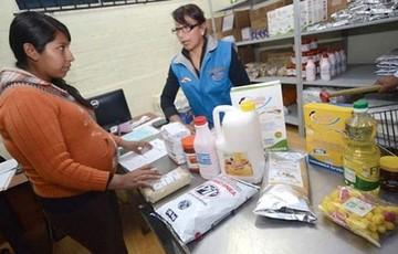 Defensa del Consumidor atiende reclamos en distribuidoras de subsidio de Sucre y Tarija