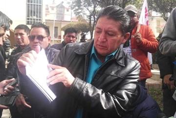 Encarcelan a Alcalde de Quillacollo por falsificación de certificado de libreta militar