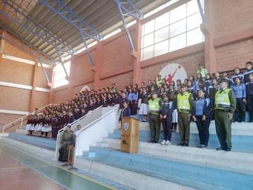 Plan estudiantil moviliza a policías en las escuelas