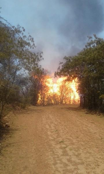 Incendio por rotura de ducto de gas deja personas heridas en Villa Montes