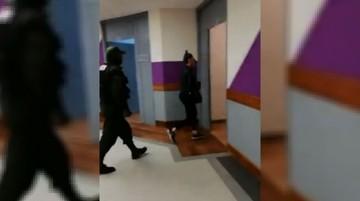 Filman a Zapata en los pasillos de la Torre Ketal en La Paz