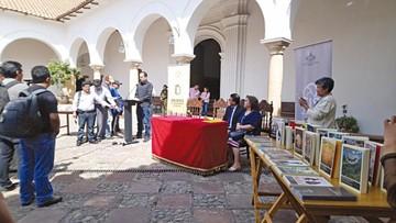 CIS aporta a Derecho con conversatorios y libros