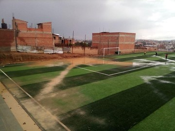 Lluvias anegan calles en Sucre