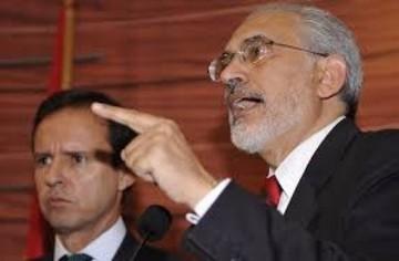 Mesa y Quiroga acusan al Gobierno de provocar crisis institucional en el TSE