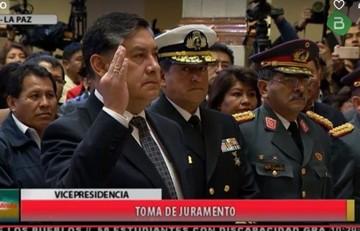 Lanchipa es posesionado como nuevo Fiscal General
