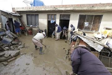 Desborde del río Taquiña vuelve a dejar daños y zozobra en hogares