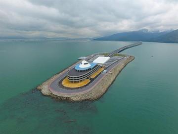 China abre el puente marítimo más largo del mundo