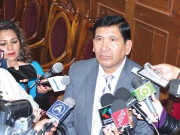 Suman denuncias contra dos jueces del caso Alexander